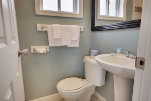 toilet both towels bathroom mirrow